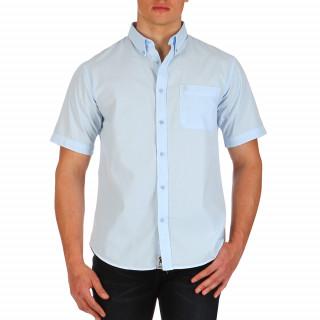Chemise unie bleu ciel manches courtes 100% coton avec poche pour homme. Le logo Ruckfield,symbolisé par la silhouette de Sébastien Chabal, est brodé ton sur ton sur la poche.