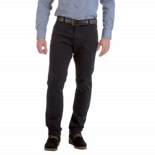 Pantalon coupe regular et confort avec logo brodé. Disponible jusqu'au 56 Fr.