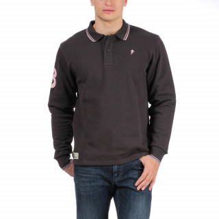 Polo en coton piqué avec logo brodé poitrine et N°8 sur la manche.