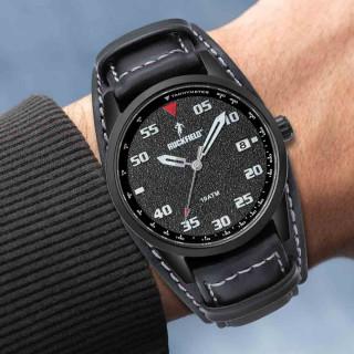 Montre noire bracelet cuir