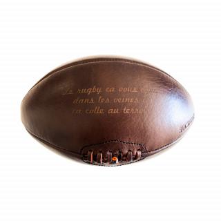 Ballon le rugby ça vous coule dans les veines et ça colle au terroir