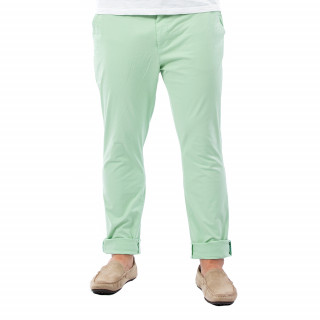 Pantalon homme chino vert en coton.