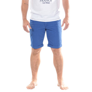 These Ruckfield bermuda shorts are made for you ! Chino cut with hems. You will look great in them.