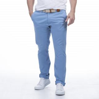 Pantalon chino bleu ciel en coton élasthanne et coupe confort.