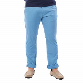 Pantalon homme chino bleu en coton.